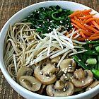 حساء المعكرونة الآسيوية