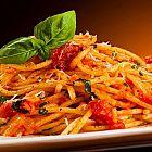 المعكرونة الإيطالية بصلصة البندورة