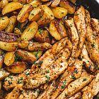 شرائح الدجاج بالزبدة والثوم مع حبيبات البطاطا