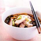 الحساء بالدجاج والنودلز