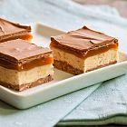 الحلوى بالكاراميل والشوكولا