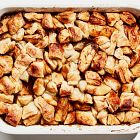 قالب الحلوى مع التفاح والبوظة